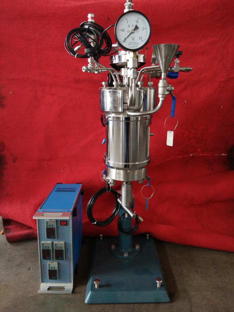 SYBFD系列-1L双层石英玻璃釜-带背压阀正面照片