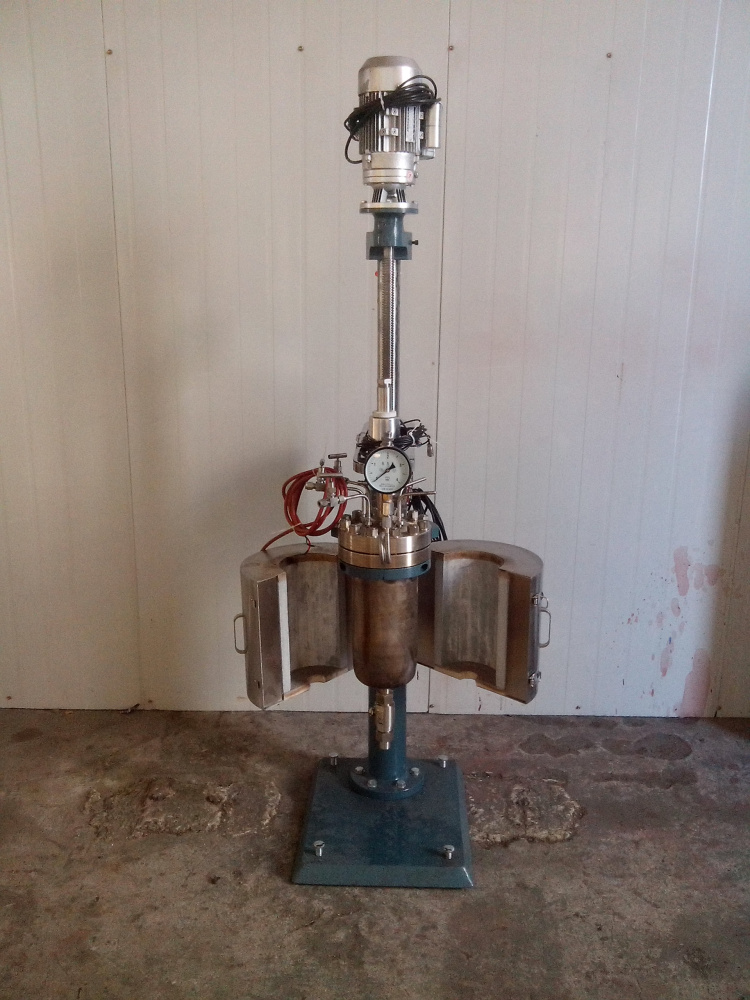 TFCF系列--电动升降釜盖、开启式电加热炉2